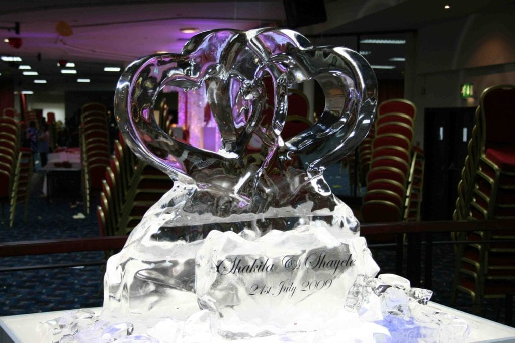 interlocking hearts ice sculpture for wedding