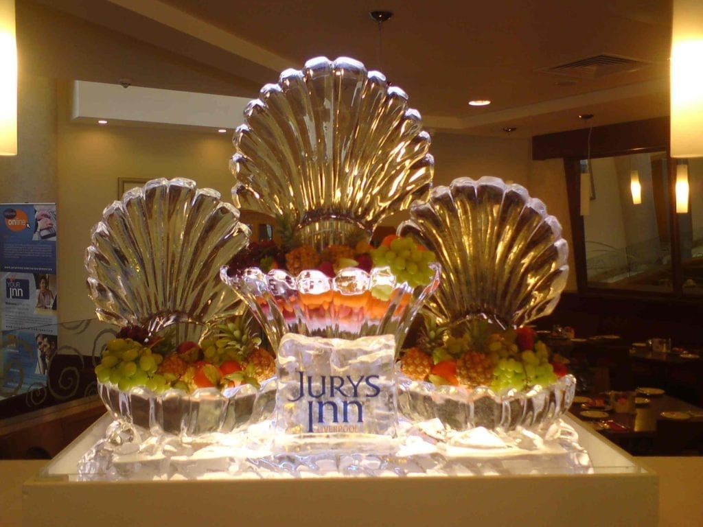 clam shell fruit ice sculpture for wedding